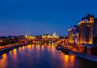20130503-bigstock-view-on-moscow-river-embankmen-45181429